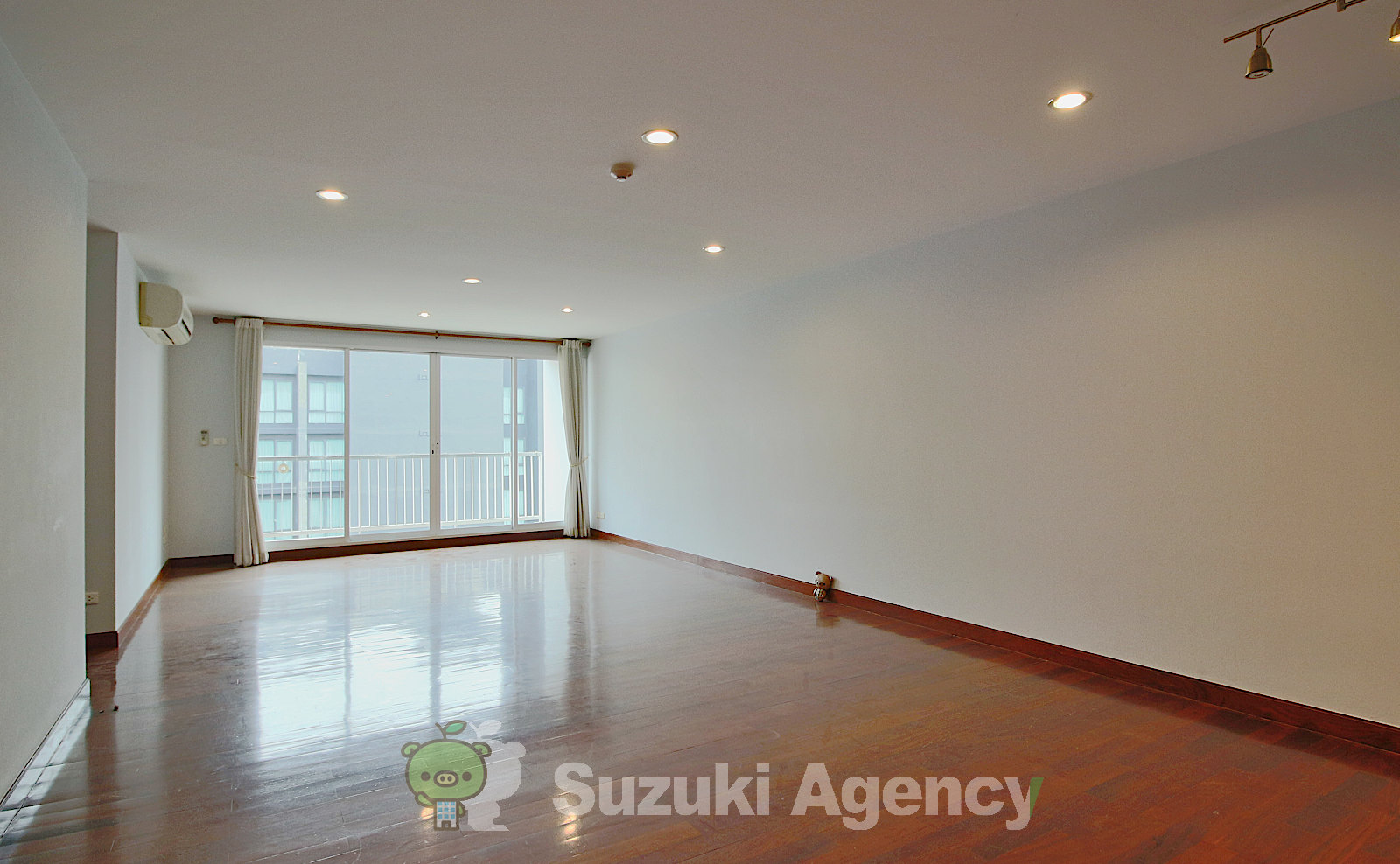 Urbana Sukhumvit 15:2Bed Room Photos No.1