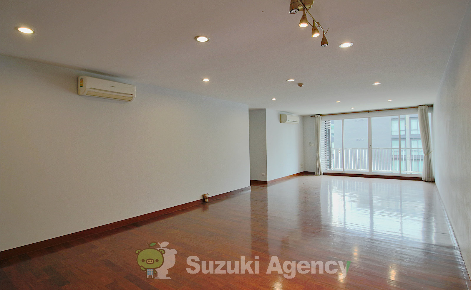 Urbana Sukhumvit 15:2Bed Room Photos No.2